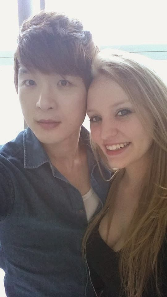 how to attract korean girl