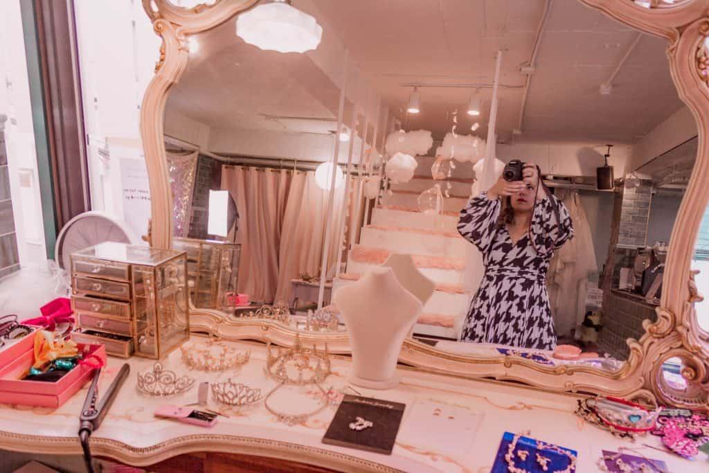 Cà phê Jade Mug & Yumi's Dress Room